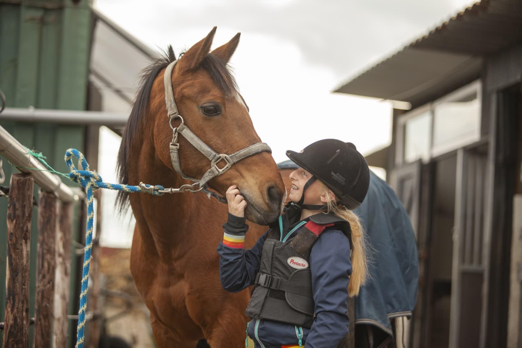 Stal-Schouten-Home-Wemeldinge-Paardrijden-Rijlessen
