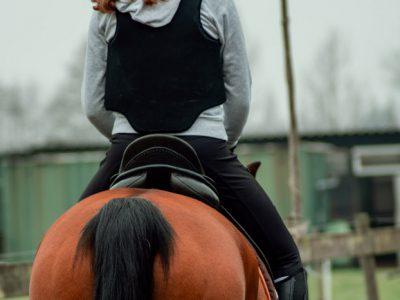 Paardrijlessen-rijlessen-manege-stal-schouten